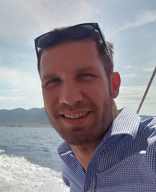 eCommerce marketing consultant Damon Simpson in Vietnam