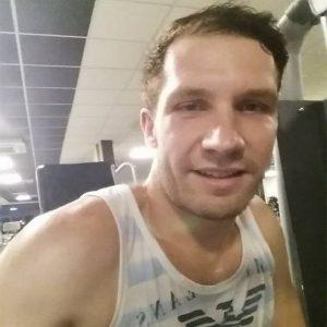 Damon Simpson Hitting Gym in Hanoi